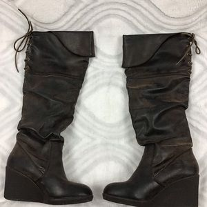 Report brown knee high boots size 6 1/2